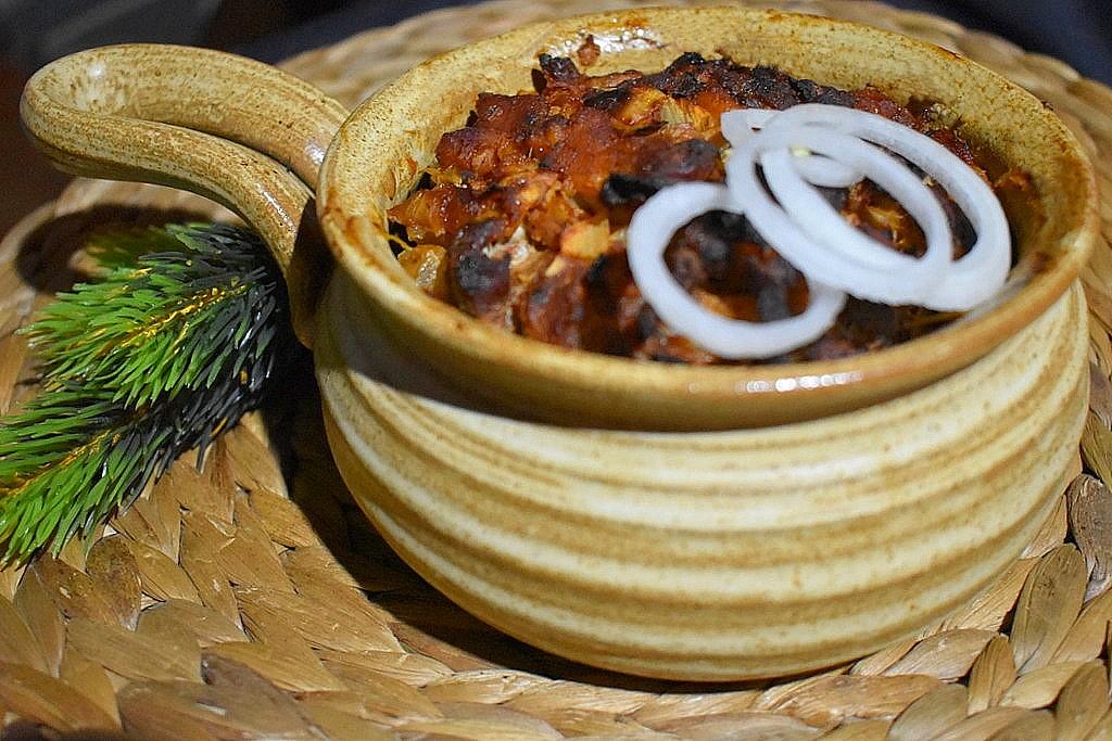 Vepřové nudličky s hořčicí a cibulí recept