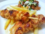 Červené pad thai kuře na špejli recept