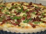 Quiche s parmskou šunkou, sušenými rajčaty, fazolkami a mozzarellou