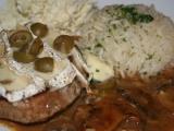 Hovězí plátky s hermelínem a olivami recept