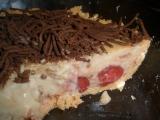 Rychlý nepečený karamelový koláč s jahodami recept