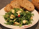 Rukolový salát s hruškou (jablkem) recept