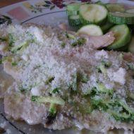 Kuřecí plátek s česnekovou cuketou a parmazánem recept