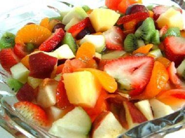 Ovocný letní salát