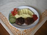 Mleté steaky s vejcem recept