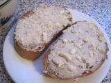 Rybičková pomazánka s pomazánkovým máslem recept ...