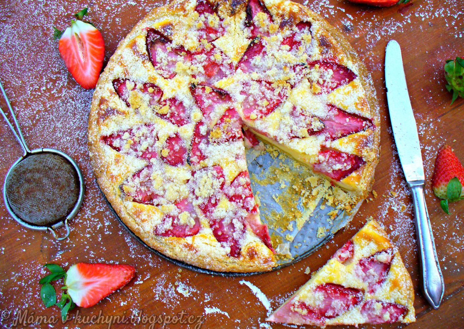 Křehký špaldový koláč s jahodami recept
