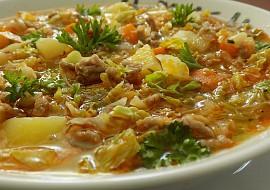Kapustová polévka s mletým masem recept
