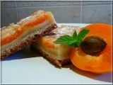 Šťavnatý meruňkový koláč s podmazáním recept
