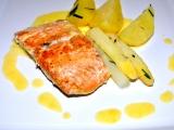 Filet z lososa s chřestem a Maltézskou omáčkou. recept ...