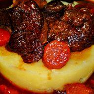 Hovězí líčka na červeném víně se zeleninou a tymiánem recept ...