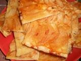 Lístkový koláč s jablky a slaným karamelem recept