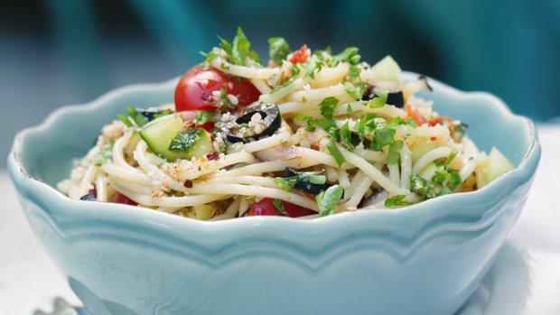 Kalifornský těstovinový salát