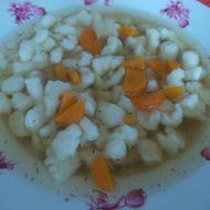 Hovězí polévka s kapáním recept