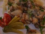 Kuřecí ragú s liškami a kyselými okurkami recept