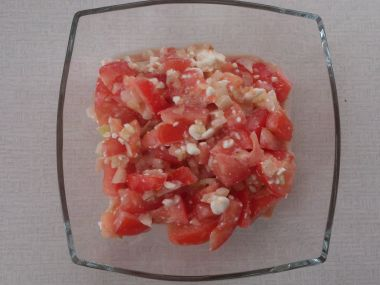Rajčatový salát se sýrem Cottage