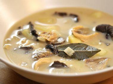 Staročeská polévka ze suchých hříbků