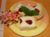 Jahodový koláč se zakysanou smetanou a meduňkou recept ...