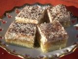 Jablečné řezy s kokosem a smetanou recept