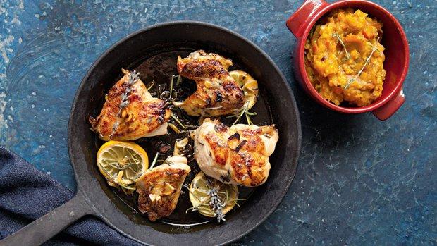 Levandulové kuřecí kousky a šťouchaná dýně s parmazánem ...