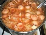 Polévka ze zelí s párkem recept