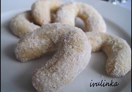 Vánoční cukroví  křehké vanilkové rohlíčky recept