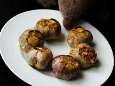 Kabirův pečený česnek Čeněk
