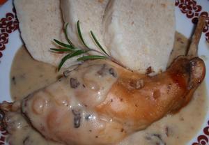 Králík s hříbkovou omáčkou a jalovcem