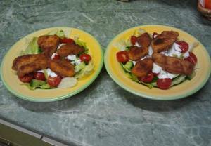 Zeleninový salát s miniřízečky a česnekovým dresinkem  Recepty ...
