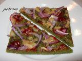 Pizza z dýňové mouky s červenou cibulí (bez lepku, mléka a vajec ...