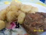 Pečené maso se zelím s bobkama recept