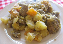 Hovězí kotlík s mrkví, máslovou dýní a brambory recept ...