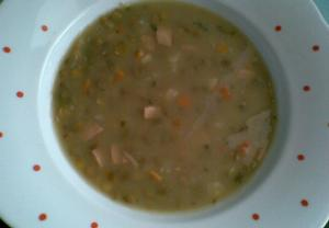 Čočková polévka s uzeným masem