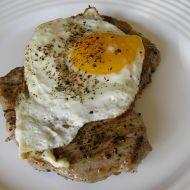 Vepřový steak s vejcem recept