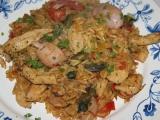 Paella se šafránem, kuřecím masem a plody moře recept ...