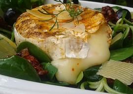Grilovaný Hermelín s polníčkovým salátem recept