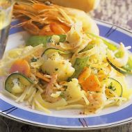 Špagety s krevetami a zeleninou recept