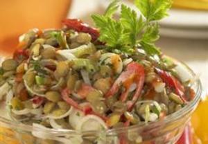 Pikantní salát s čočkou