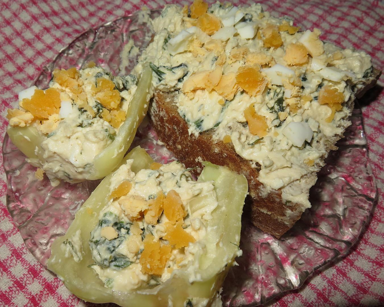 Tvaroh s vejci a bylinkami recept