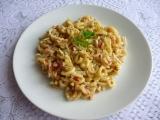 Těstoviny se surimi a vejci recept