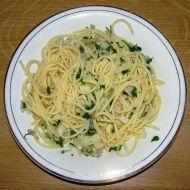 Špagety s česnekem a petrželkou recept