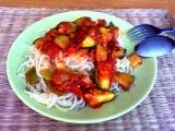 Dietní těstoviny s rajčaty a cuketou recept