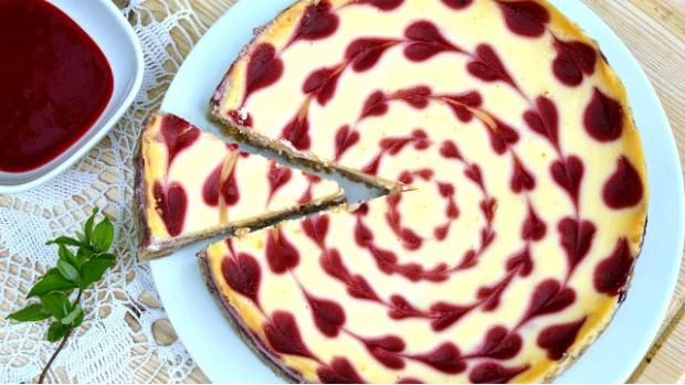 Malinový cheesecake s bílou čokoládou