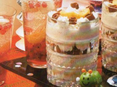Krémový pohár s ovocem