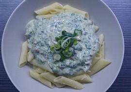Sýrová omáčka se špenátem a šunkou recept