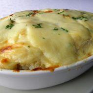 Zapečený květák s bramborem v sýrové omáčce recept