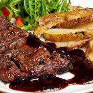 Srnčí steaky se švestkovou omáčkou recept