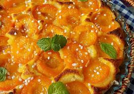 Koláč s glazovanými meruňkami recept