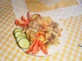 Pečené brambory s vepřovým masem a moravankou recept ...