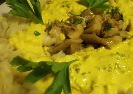 Těstoviny s domácí kari  sýrovou omáčkou a hlívou ústřičnou recept ...